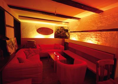 Die Sofa-Lounge im Raucherraum